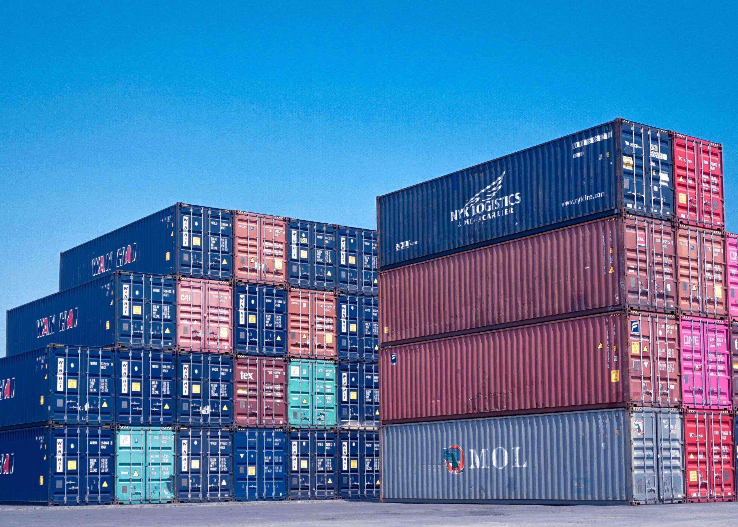 Container auf dem Seeweg verschiffen? Dafür gibt es Ihre Seefracht Spedition Hamburg.